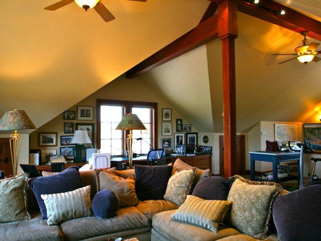 Bonus Upstairs Living Room | Jug Mountain Ranch